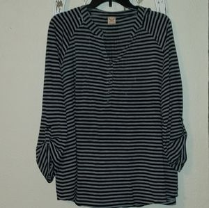 BLACK AND GRAY STRIPPED BLOUSE